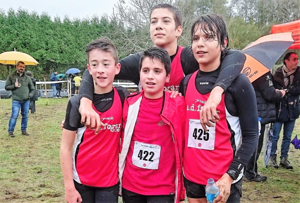 9 dos nosos triatletas clasificados para o Intercomarcal de Cros