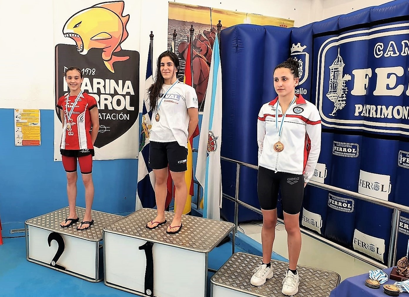 2 Medallas, 2 topes nacionais e 1 récord do club no Juan Varela